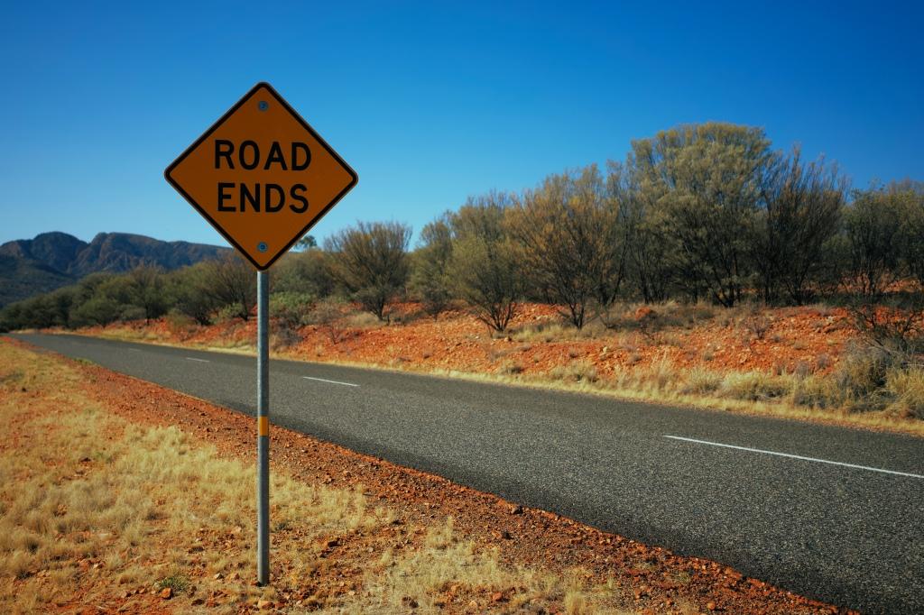 Road Ends road sign along rural highway
